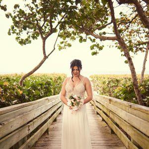 Wedding Dress Size Medium for Sale in West Palm Beach, FL