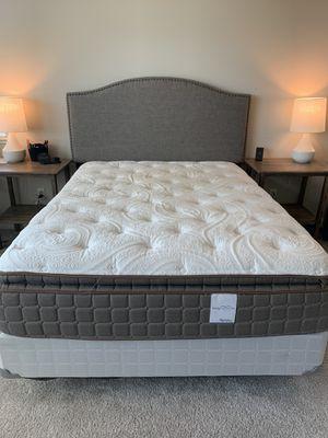 Queen bed set for Sale in Sanger, CA