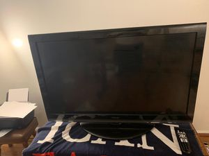 Toshiba 46 Inches TV for Sale in Rockville, MD