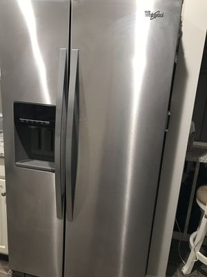 Whirlpool refrigerator for Sale in St. Louis, MO