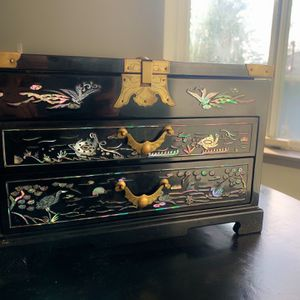 Antique Black Laquer & Mother Of Pearl Chinese Box for Sale in Seattle, WA
