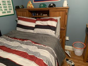 Rooms to go full size bedroom set for Sale in Saint AUG BEACH, FL