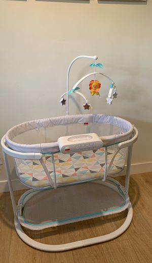 Fisher Price Bassinet for Sale in Temple City, CA