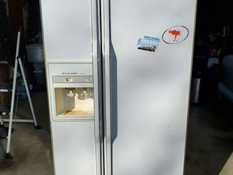 Refrigerator Side By Side for Sale in Ravensdale,  WA