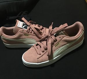 womens 8.5 rose gold pumas for Sale in Nashville, TN