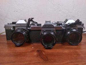 Vintage film cameras....!!! for Sale in Aurora, CO
