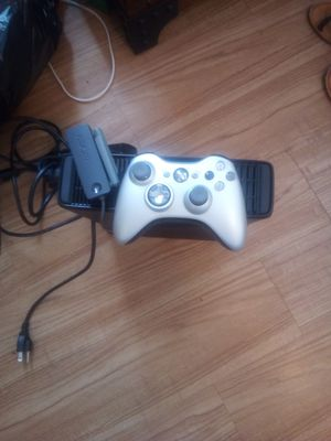 Xbox 360 gently used with wireless remote for Sale in Lexington, KY