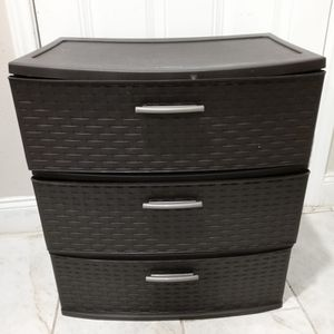 Plastic Drawer Good Conditions for Sale in Houston, TX