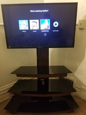 40 Inch Led TV with Stand for Sale in Beloit, WI
