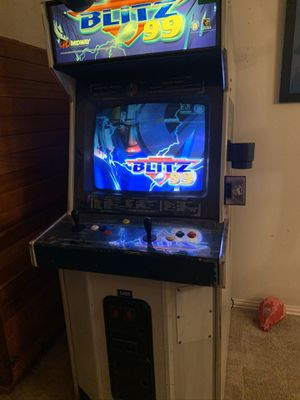 NFL Blitz 99 Arcade Game for Sale in Fort Worth, TX