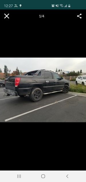 Chevy avalanche 2006 trade for small S UV for Sale in El Cajon, CA