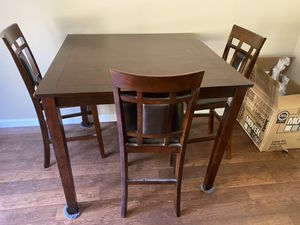Table w/ 4 chairs for Sale in Greer, SC