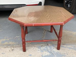 Coffee table for Sale in North Saint Paul, MN