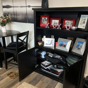 Medium Sized Bookcase for Sale in Danville, CA