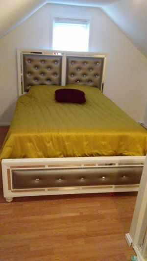Brand new 3pc Bedroom Set & New Mattresses - Bed, dresser & mirror and mattresses for Sale in Washington, DC