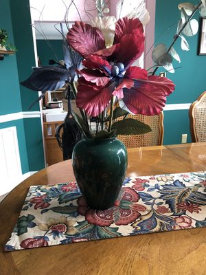 Vase and flower for Sale in Brentwood, TN