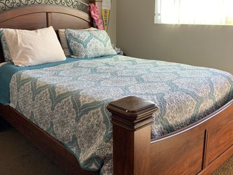Full Size Bed with Dresser for Sale in Orange,  CA
