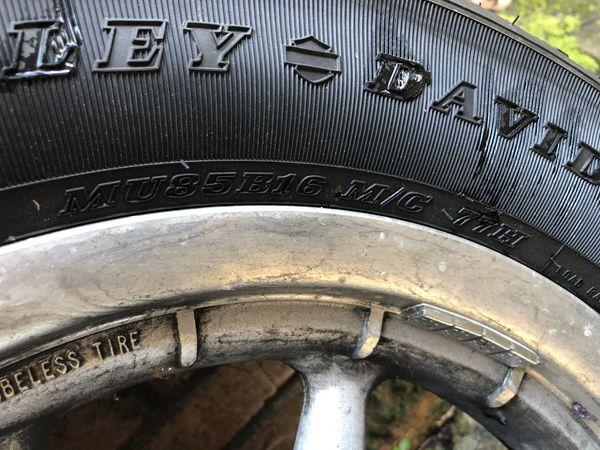 Harley Davidson 2004 motorcycle tires and rims