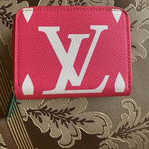 Pink Wallet For Sale for Sale in Los Angeles, CA