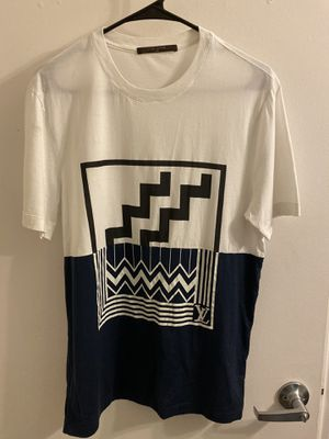 Louis Vuitton T Shirt for Sale in Columbus, OH
