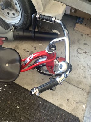 Red Schwinn toddler bike new condition! for Sale in Macomb, MI