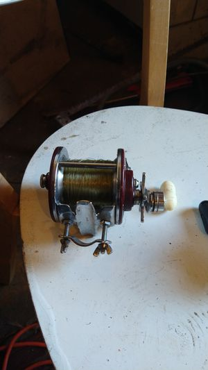 Vintage pen Pier number 209 fishing reel for Sale in Tacoma, WA