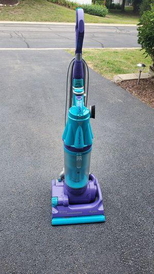Dyson dco7 vacuum cleaner for Sale in Carpentersville, IL