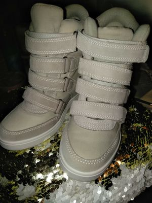 Ivory chrism wedge sneakers high tops. for Sale in Hollywood, FL