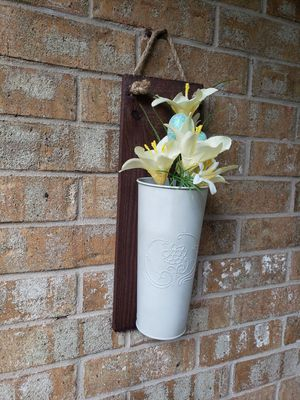 White washed vase or planter on wood for Sale in Arlington, TX