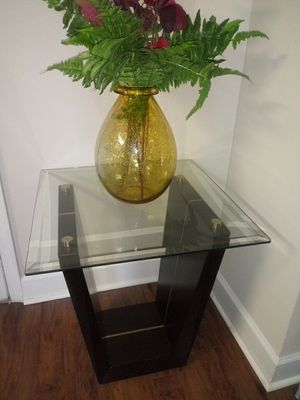 Two- Rooms 2Go end tables for Sale in Atlanta, GA