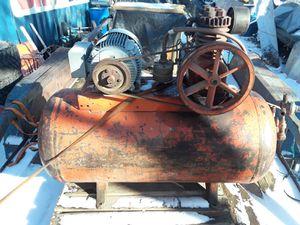 60gal 5hp air compressor 220v for Sale in Wichita, KS