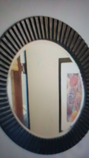 Round Wall mirror for Sale in Riverdale, MD