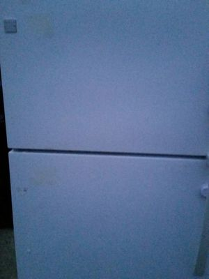 Refrigerator like new 4 months warranty for Sale in Alexandria, VA