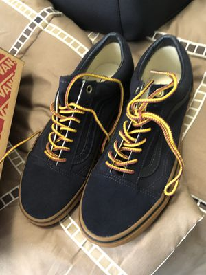 Brand new vans unisex for Sale in Saint Charles, MO