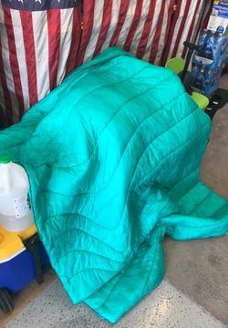 Rumpl outdoor blanket for Sale in San Bernardino,  CA