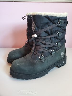 Timberland fleece lined lace up snow boots kid's unisex 4.5M for Sale in Columbia, MD