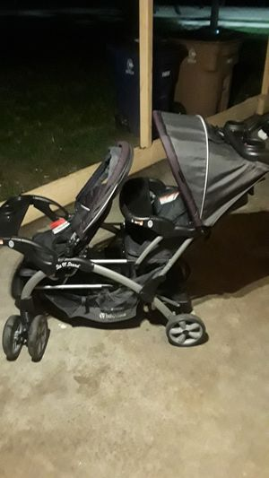 Double stroller in great shape for Sale in Lehigh Acres, FL