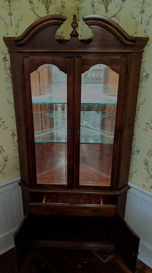 Hard to Find CORNER Solid Cherry China Cabinet for Sale in Summerville, SC