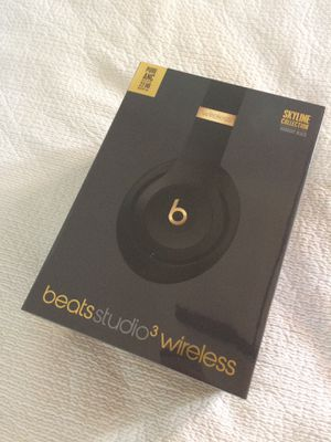 Beats Studio3 Wireless Headphones – The Beats Skyline Collection - Midnight Black for Sale in Santa Monica, CA