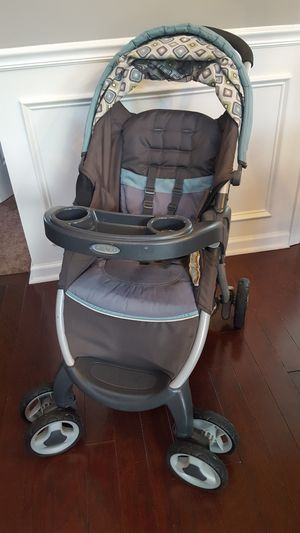 Graco Click to Connect system - stroller, two bases, car seat for Sale in Hendersonville, TN