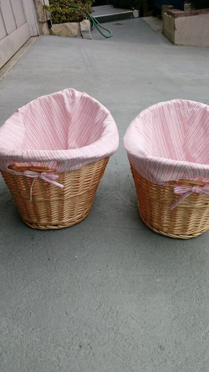 Wicker Baskets with Covers. for Sale in Redondo Beach, CA