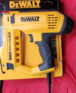 DEWALT 5-in-1 Multi-Tacker and Brad Nailer for Sale in Phoenix, AZ