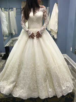 Wedding Dress - Never Worn for Sale in Lincolnwood, IL