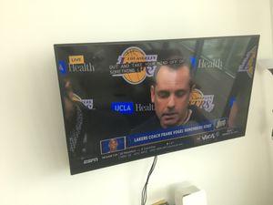 60 inch flatscreen HDTV - like new for Sale in Miami, FL