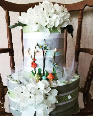 Baby shower diaper cake for Sale in Mulberry, FL