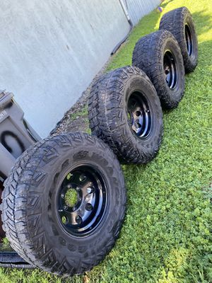 15 inch Mickey Thompson Black Wheels Rims for Sale in Hayward, CA