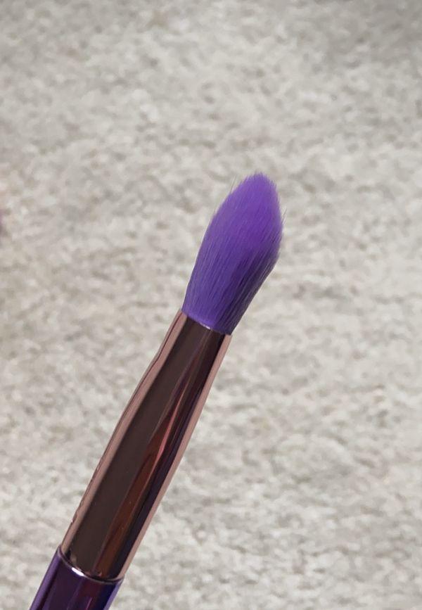 Tarte makeup brush bundle.