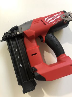 Milwaukee New Brad Nailer 18Ga fuel/ brushless M18(tool only) Nuevo for Sale in Los Angeles, CA