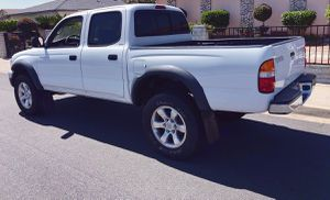 TOYOTA TACOMA 2003 GOOD CONDITION A MUST SEE for Sale in Cleveland, OH