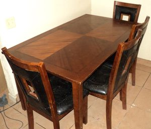 6 Seat Wood Dining Table 4 Chairs & 2 Person Bench Seating for Sale in Modesto, CA